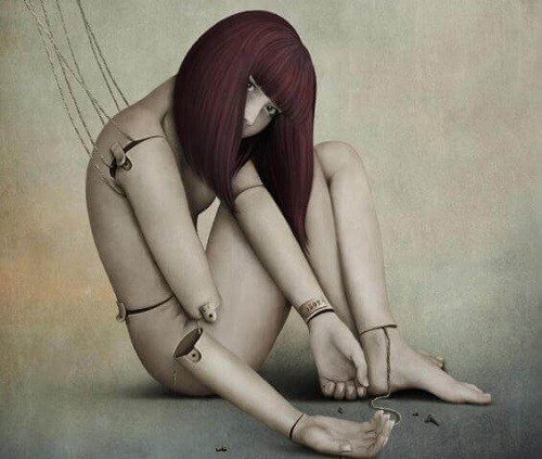 Numeroase persoane toxice își manipulează victimele zilnic